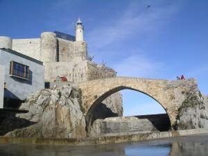 Vista del puente medieval